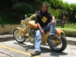 Arnulfo Pinzon y la Yellow Machine.