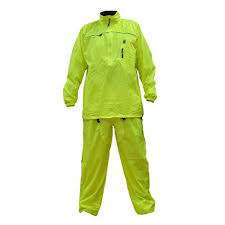 Impermeable Day Life wearing SHAFT 001